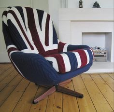 Knitted London Armchair. Awesome!