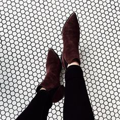 Pointed shoes --> ShoesPinterest: @FlorrieMorrie00Instagram: @flxxr_