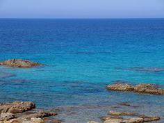 Buongiorno amanti della #Sardegna! Sei pronto ad iniziare la nuova stagione immergendoti in questa acqua cristallina?