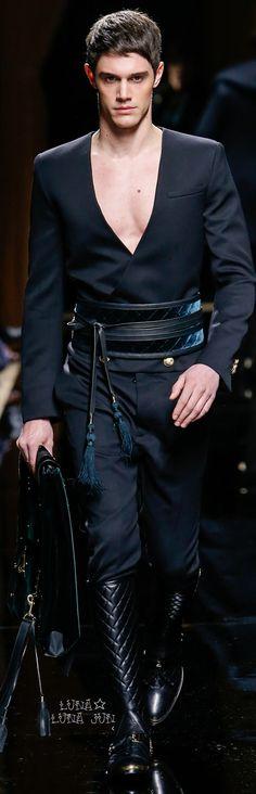 Balmain fall 2016 menswear fashion show balmain man, balmain homme, balmain Mode Masculine, Mens Fashion Suits, Fashion Outfits, Fashion Trends, Fashion Menswear, Smart Menswear, Casual Menswear, Style Costume Homme, Style Casual