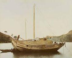 Les techniques de constructions sont traditionnellement transmises de maître à élève, presque sans trace d'écrit. Les dessins des bateaux traditionnels .