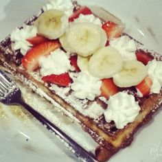 The vintage Belgian waffle! Because yesterday was tastier :p Belgian Waffles, Brussels, Supreme, Biscuits, Stuff To Do, French Toast, Tasty, Breakfast, Vintage