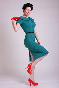 Bettie Page Rita Retro Pencil Dress Turquoise Vintage Retro Pin Up Mad Men 8 Vintage Outfits, Vintage Inspired Outfits, Vintage Fashion, Rockabilly Moda, Rockabilly Fashion, Vintage Mode, Retro Vintage, Vintage Pencil Dress, Bettie Page Clothing