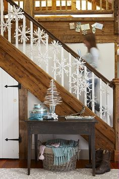 Snowflakes for Christmas Decoration; Add a Festive Spirit to Your Christmas House: Intriguing Ideas Applied In Staircase Design Of How To Use Snowflakes In Winter Decor Ideas Made From Wooden Material