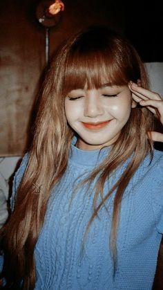 She is so cutee💕 Blackpink Lisa, Blackpink Jennie, South Korean Girls, Korean Girl Groups, My Girl, Cool Girl, Blackpink Members, Lisa Blackpink Wallpaper, Kim Jisoo
