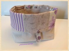 Cestino portapane in cotone patchwork sui toni del lilla/ecrù , by fattoamanodaTati, 24,00 € su misshobby.com