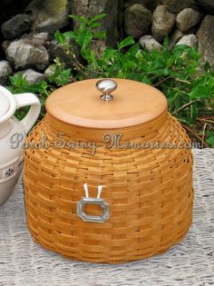 Want this for Christmas!  Love Longaberger baskets