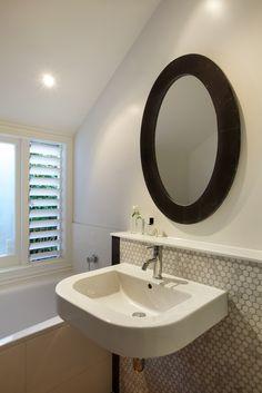 Von Sturmer - Statement oval mirror in a simple bathroom Oval Mirror, Simple Bathroom, Bathroom Lighting, Furniture, Design, Home Decor, Homemade Home Decor, Bathroom Vanity Lighting, Home Furnishings