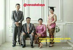 "9 Suka, 1 Komentar - KEBAYA,BRIDAL,BATIK&BAJUMUSLIM (@venzakebaya) di Instagram: ""@aninsp 💗💟💝VĖŅŽÁ ĶĘBĄÝĄ & BŘĪĎÄĹ"" 💗💘💝KARYA ASLI INDONESIA. DIPERSEMBAHKAN UNTUK PARA PECINTA KARYA…"""