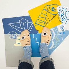 ChattyFeet lets you wear your favourite artists on your feet (think Picasso, van Gogh, Andy Warhol and Frida Kahlo) in the form of stylish socks. Silly Socks, Funky Socks, Happy Socks, Cool Socks, Classic Paintings, Your Paintings, Andy Warhol, World Famous Painters, Branding