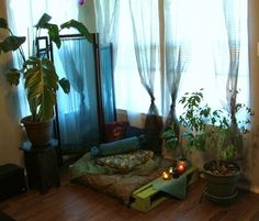 Love this little area to meditate. Going to make my own!