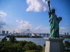 Statue of Liberty replica and Rainbow Bridge, Odaiba