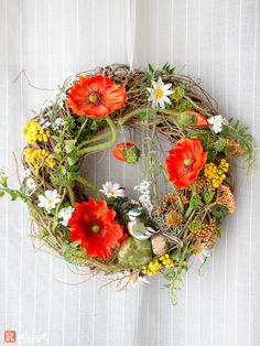 Diy Wreath, Door Wreaths, Grapevine Wreath, Moon Crafts, How To Purl Knit, Pattern Making, Seasonal Decor, Flower Designs, Flower Power