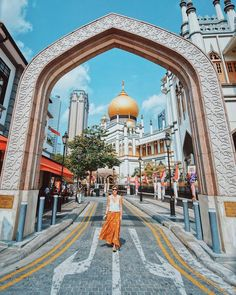 in Singapore /. Singapore Vacation, Singapore Attractions, Singapore Photos, Visit Singapore, Singapore Malaysia, Singapore Travel, Singapore Destinations, Singapore Outfit, Honeymoon Photography