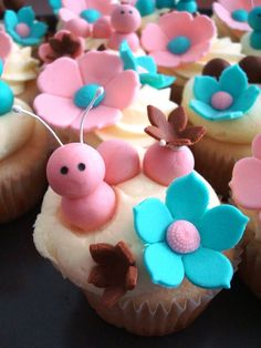 place plastic baby inside 1 cupcake - pass all cupcakes out during gift opening Beautiful Cupcakes, Love Cupcakes, Yummy Cupcakes, Birthday Cupcakes, Cupcake Cookies, Animal Cupcakes, Cupcake Toppers, Pretty Cakes, Cute Cakes