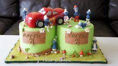 Cake cars and smurfs