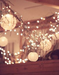 2013-wedding-lighting-idea-lanterns-strung.jpg 550×700 pixels