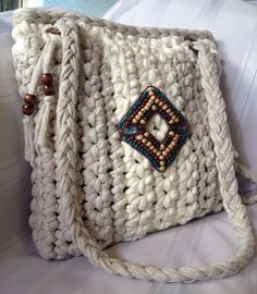 Hey, I found this really awesome Etsy listing at https://www.etsy.com/listing/295346635/beautiful-beige-and-cream-crochet-bag