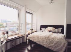 Bitte teilen! Wunderschöne, neu renovierte Wohnung direkt am Hbf! Mit Blick über…