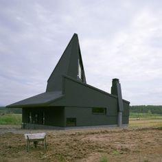 Tohma House, Hokkaido, Japan by Hiroshi Horio Architects.