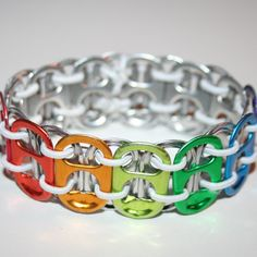 Activity Bracelets Fitness - Arc en ciel onglet Pop extensible peut onglet par eclecticKel - The benefits of wearing these smart bracelets are not only in your comfort, but also in that they are able to control all your physical progress Soda Tab Crafts, Can Tab Crafts, Pop Top Crafts, Can Tab Bracelet, Smart Bracelet, Recycled Jewelry, Recycled Crafts, Handmade Crafts, Pop Can Tabs
