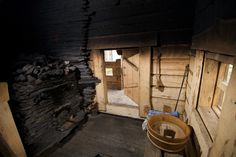Step Inside the Sauna - Inside the sauna are hot temperatures, wood interiors and a small stove called a kiuas. Take a look inside the sauna and learn how saunas work. Sauna Shower, Portable Sauna, Small Stove, Sauna Design, Outdoor Sauna, Finnish Sauna, Steam Sauna, Sauna Room, Earthship