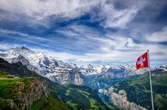 Spectacular mountain vistas, flower-lined nature paths and picturesque historic centres make these ten idyllic Swiss towns worth a visit.
