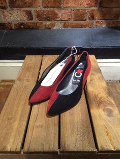 Red and black Vintage Shops, Heels, Red, Shopping, Black, Fashion, Heel, Moda, Black People