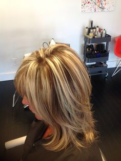Chunky blonde highlights.... Contrast blonde