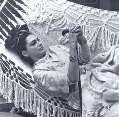 "artist legend Ms Frida Kahlo aka Mrs Diego Rivera, very perceptively said ""Nothing is worth more than laughter. Diego Rivera, Frida E Diego, Frida Art, Famous Mexican, Atelier D Art, Mexican Artists, Mexico City, Michael Phelps, Great Artists"