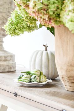Fall home tour with lots of inspiration and ideas to use in your own home. Home decor ideas too. Fall decorating never looks easier!