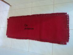 tapete com vermelho e preto para pia de cozinha