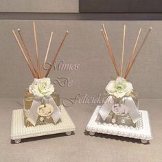 Aromatizadores de ambiente decorados com flores e pérolas + bases peroladas