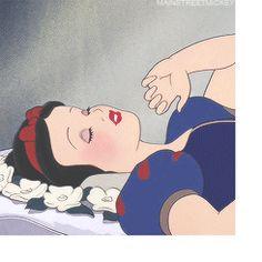 Disney E Dreamworks, Disney Pixar, Disney Characters, Gifs, Funny Cartoon Pictures, Snow White Disney, Disney Princess Art, Princess Drawings, Disney Aesthetic
