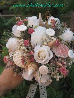 Seashell Bridal bouquet!  Absolutely awesome! This site has wonderful tutorials on how to make your own. Shellcrafter.com