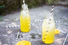 S vášní pro jídlo: Ledový kurkumový čaj s pomerančem Hot Sauce Bottles, Drinks, Recipes, Food, Smoothie, Turmeric, Drinking, Beverages, Essen
