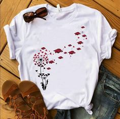 Retro Outfits, Casual Outfits, Cute Outfits, Mom Shirts, Cool T Shirts, Cool Shirts For Women, Painted Clothes, Cricut, Embroidery Fashion