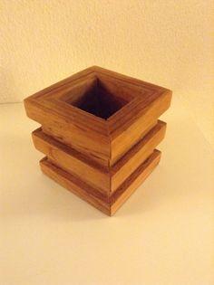Vaso pequeno de madeira de Macacauba