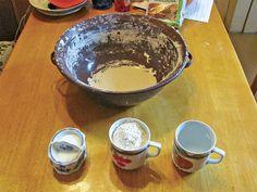 Přidáme po hrnku mouky, vody a půl lžičky soli Food And Drink, Pudding, Custard Pudding, Puddings, Avocado Pudding