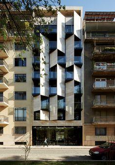 Modern multi-residential housing / Ismael 312 Apart Hotel / Estudio Larrain