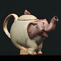 Théière Eléphant rieur - Théière et service à thé Teapots And Cups, Teacups, Elephant Teapot, Teapot Cookies, Cute Teapot, Teapots Unique, Tea Cozy, Ceramic Teapots, Chocolate Pots