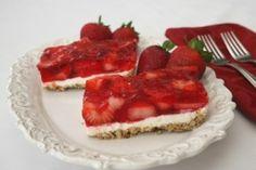 Skinny Strawberry Pretzel Salad...a classic made 'healthier'; I'd even use ff cream cheese and sugar free jello