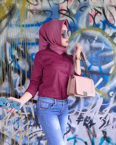 "Hay!! di Instagram ""Semrawut yang warna warni🤣"" Hijab Jeans, Chanel Boy Bag, Tights, Shoulder Bag, Boys, Iphone Wallpaper, Glasses, Instagram, Fashion"