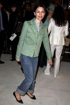 Baggy cropped jeans and pointy flats - thank you Sofia Coppola