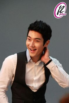siwon @ 12 plus Leeteuk, Heechul, K Pop Boy Band, Boy Bands, Choi Siwon, Korean Bands, Korean Star, Drama Film, Actors