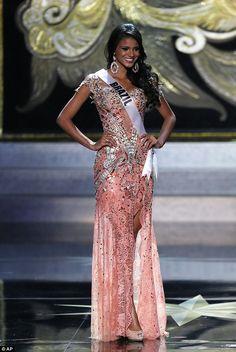 Jakelyn Oliveria - Miss Brasil en Miss Universo 2013 – Vestido diseñado por Alexandre Dutra