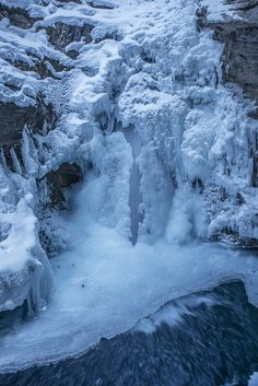 johnson canyon falls frozen - Its a nice winter hike of about an hour to these falls in winter. The falls are almost completely frozen over except a small section in the middle. Winter Hiking, Snow And Ice, Art Photography, Frozen, The Incredibles, Earth, Landscape, World, Fall