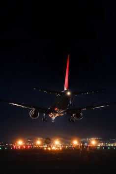 Night Landing by Azul Obscura random thoughts of a pathetic mind Airplane Photography, Travel Photography, Airplane Wallpaper, Plane And Pilot, Aviation Decor, Luxury Private Jets, Airplane Art, Airplane Pilot, Passenger Aircraft