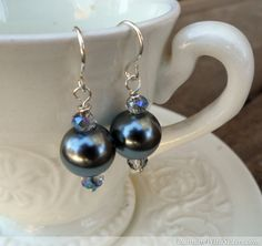 Make this pretty pair of pearl earrings in just five minutes!