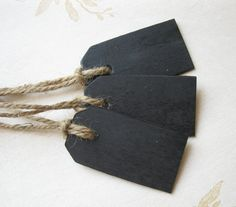 Small Wood Chalkboard Tags -- Set of 25 -- Wedding Favor, Place Cards, Name Cards, Gift Tags via Etsy Quirky Wedding, Wedding Tags, Wedding Favours, Wedding Ideas, Name Place Cards, Place Names, Name Cards, Card Tags, Gift Tags